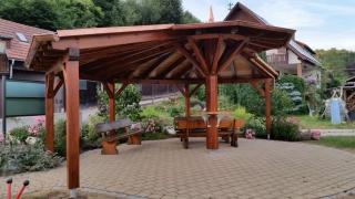 Holz- und Dachkonstruktionen